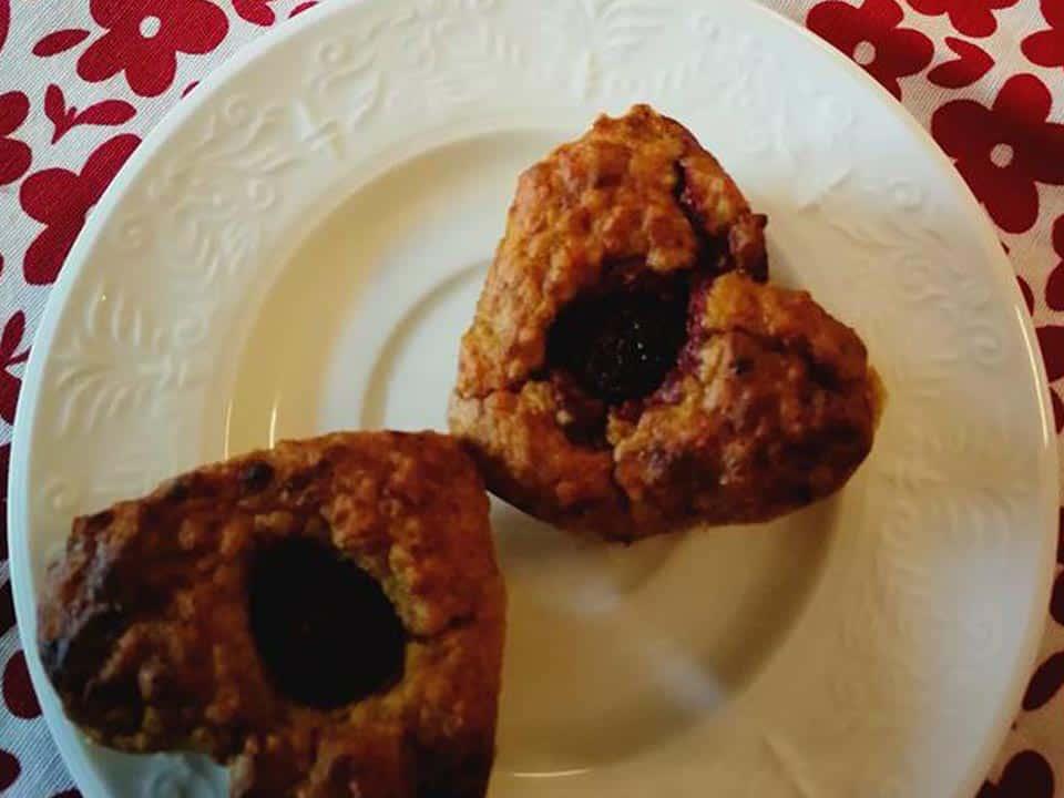 Varškės keksiukai su soromis ir datulėmis receptas sveikas desertas