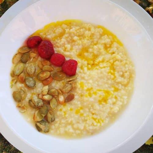 Sorų košė su ypač tyru alyvuogių aliejumi ir avietėmis receptas