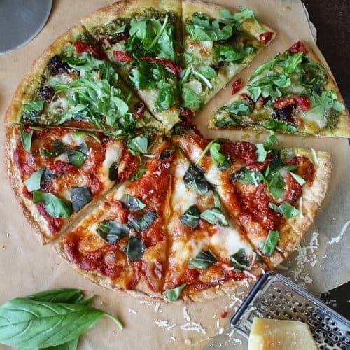 Viso grūdo speltos pica su pomidorais ir kietuoju sūriu receptas vakarienė